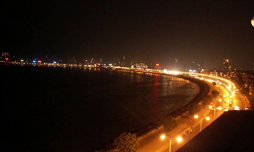 Marine Drive Mumbai's Queen's Necklace